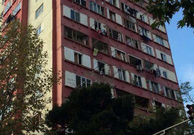 Tbilisidə yaşayış binasında partlayış olub, xəsarət alanlar var