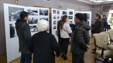 Tbilisidə 20 Yanvar şəhidlərinin xatirəsinə həsr olunmuş fotosərgi açılıb