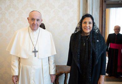 Zurabişvili Roma Papası Fransiski ilə görüşüb